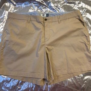 Old Navy NWT khaki Bermuda Shorts Plus Size 22 😎